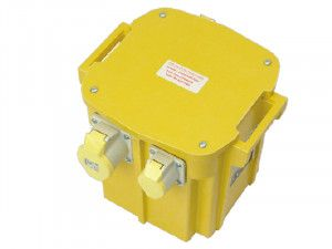 Carroll & Meynell 5003/3 Transformer Triple Outlet Rating 5 Kva Continuous 2.5kva