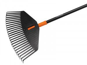 Fiskars Solid™ Leaf Rake - Medium