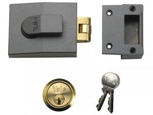 Yale Locks 81 Rollerbolt Nightlatch 60mm Backset DMG Finish Box