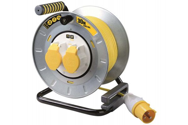 Masterplug Pro-XT Metal Cable Reel 30 Metre 16A 110 Volt Thermal Cut-Out