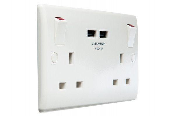 Masterplug 2-Gang Switched Socket Outlet + USB Charger 13 Amp