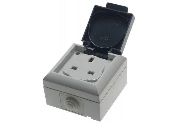 SMJ, IP54 Outdoor Socket 13A
