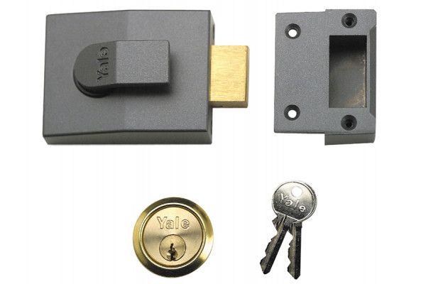 Yale Locks 82 Deadbolt Nightlatch 60mm Backset DMG Finish Box