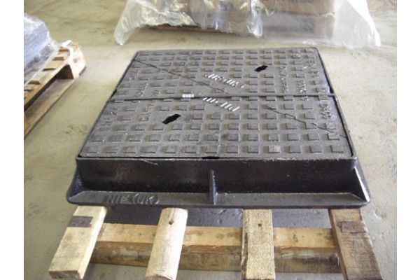Manhole Covers - Ductile Iron Range Solid Top - Single Seal - D400